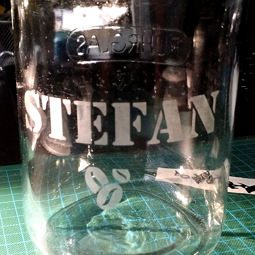 Fertig geätztes Glas